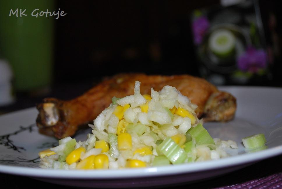 salatka-z-jablka-i-selera-naciowego-idealna-do-pikantnego-pieczonego-kurczaka