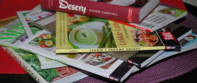 ksiazki-kucharskie-i-herbatka-truskawkowa