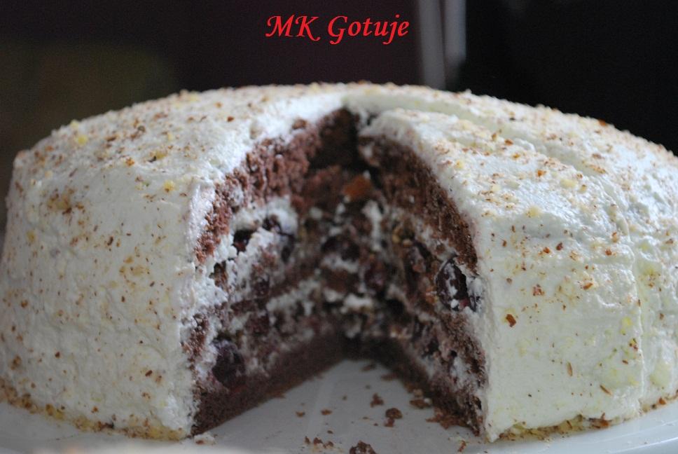 diabelski-tort-z-wisniami-i-orzechami