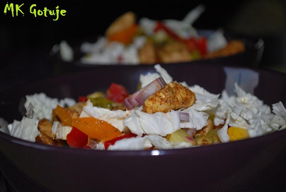 salatka-gyros-z-jogurtowo-majonezowym-sosem