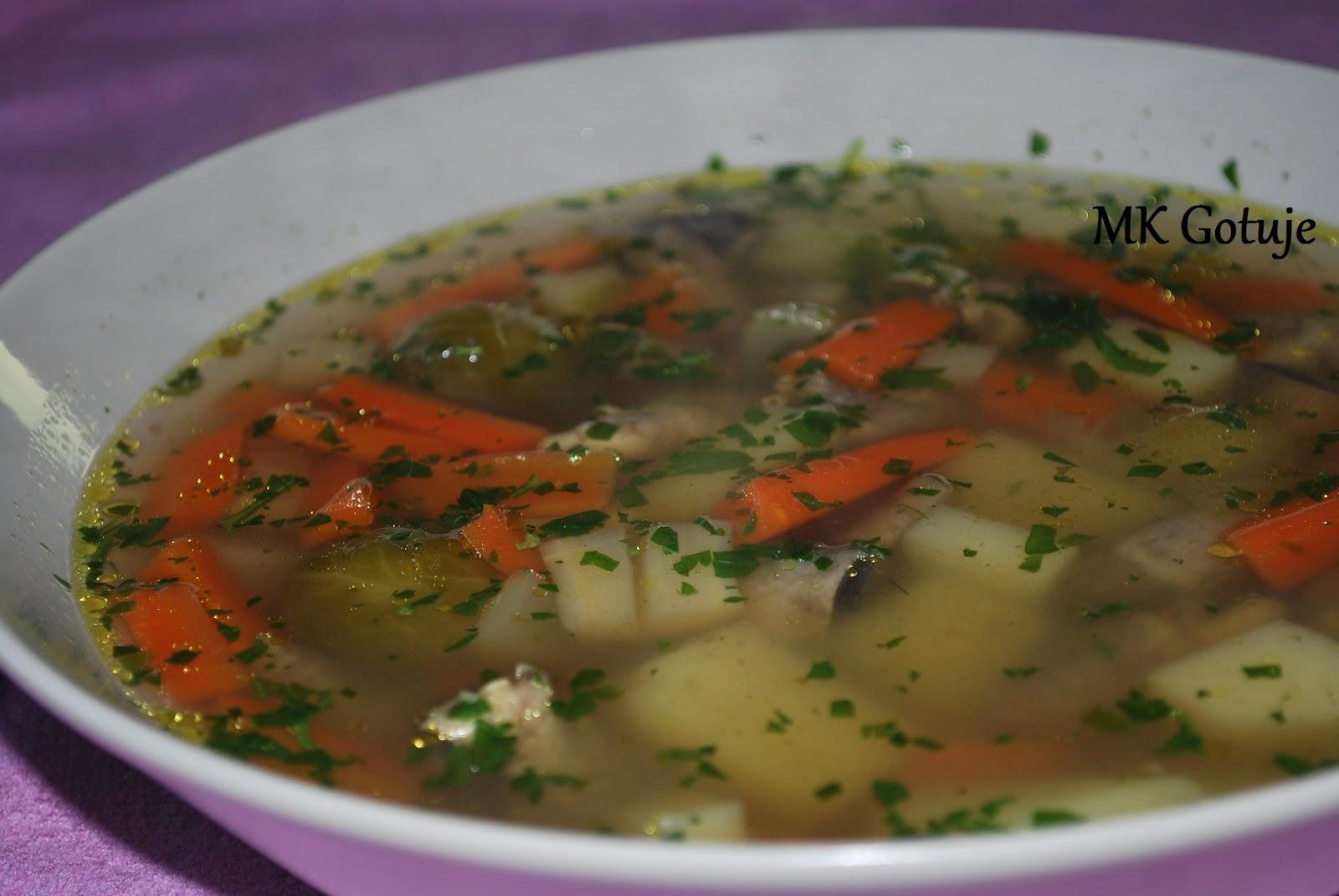 wczesno-wiosenna-zupa-warzywna-z-serduszkami