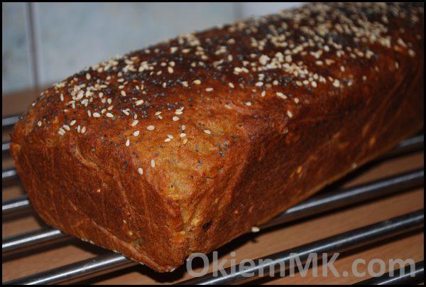 latwy-i-szybki-chleb-z-zarodkami-pszennymi-maka-pelnoziarnista-nasionami-chia-i-owocami-goji