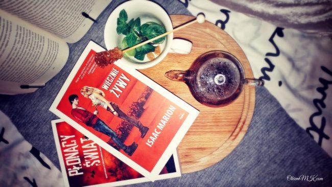 Recenzja powieści Wiecznie żywy oraz jej kontynuacji Płonący świat